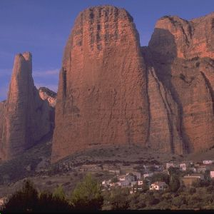 Mallos de Riglos, una de las zonas del Pirineo que se verán afectadas por la apertura de un nuevo pantano.
