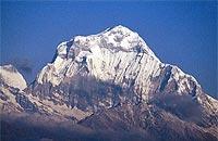 El Dhaulagiri, la Montaña Blanca, es el objetivo de italianos y españoles