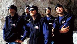 Cinco de los integrantes de la expedición eslovena