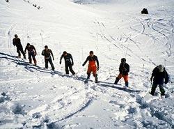 Practicas de búsqueda de víctimas de aludes con sonda, el pasado invierno