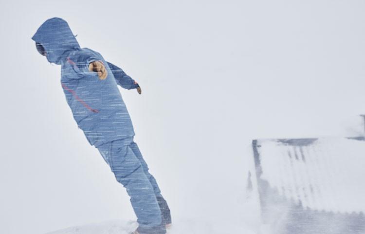 486c262b0 Afrontando el temporal de viento y nieve  membrana imprescindible. Foto   Haglöfs