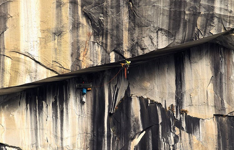 Tom Evans, Dustin Moore