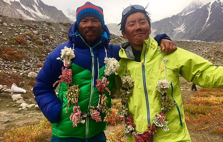Kazuya Hiraide y Kenro Nakajima, UIAA