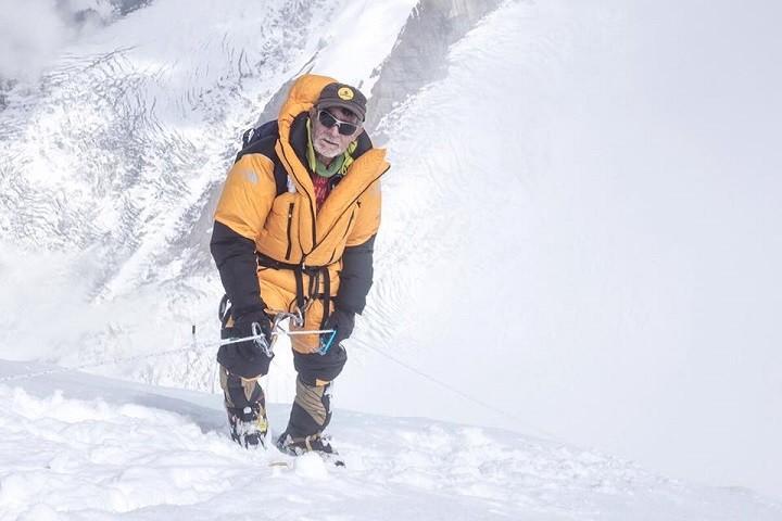 Carlos Soria, por encima del campo 3 en el Dhaulagiri. Foto: Expedición Correos