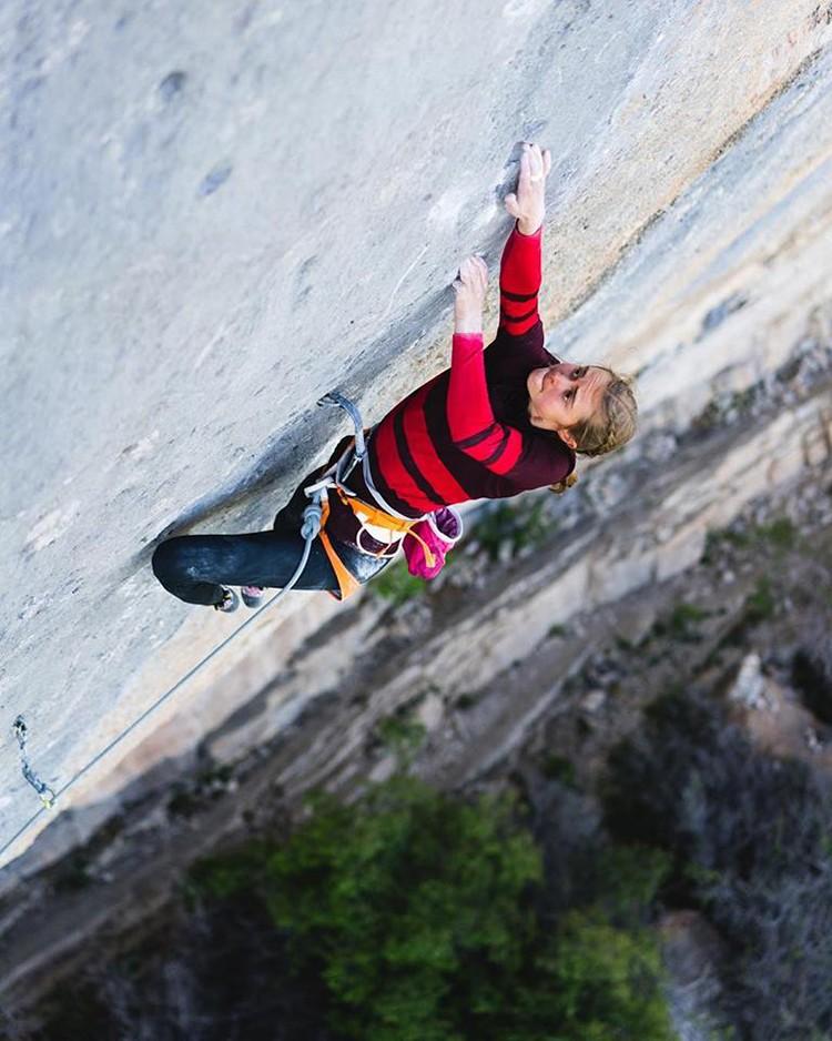 Margo Hayes durante la escalada de Biographie, Ceuse, 9a+. Foto: Matty Hong, cortesía de Petzl