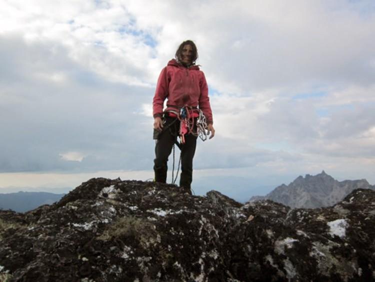 Sílvia Vidal, en la cumbre de Xanadu, tras finalizar la vía. Foto: Sílvia Vidal