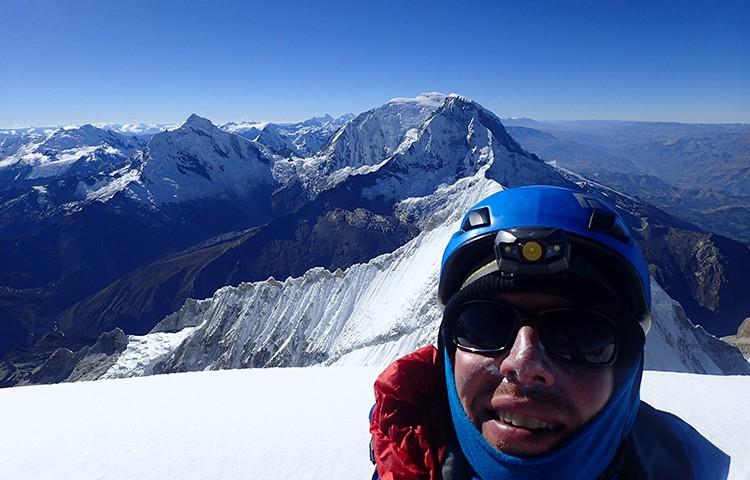 Nathan Heald, en la cumbre del Huandoy. Foto: Nathan Heald