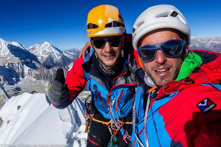 Max Bonniot y Pierre Sancier, en la cima del Pangbuk North. Foto: GMHM