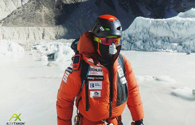Alex Txikon ve frustrado por la meteo su ataque a cima en el Everest