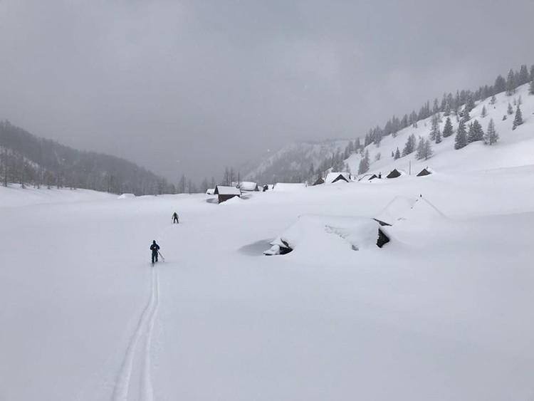 Ingentes cantidades de nieve a su paso. Foto: Phillip Reiter, Redbull Der Lange Weg