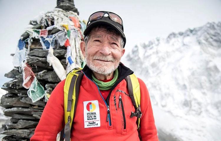 Carlos Soria, aclimatando en el valle del Khumbu