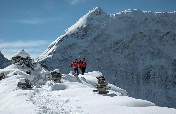 Carlos Soria y Sito Carcavilla, aclimatando en el Island Peak. Foto: Expedición IFEMA-Carlos Soria