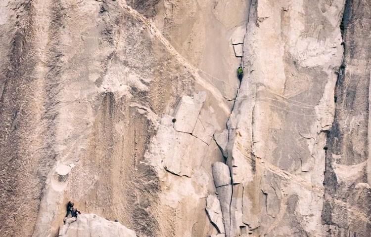 Time-lapse de la escalada con récord de velocidad a The Nose por Reynolds y Gobright