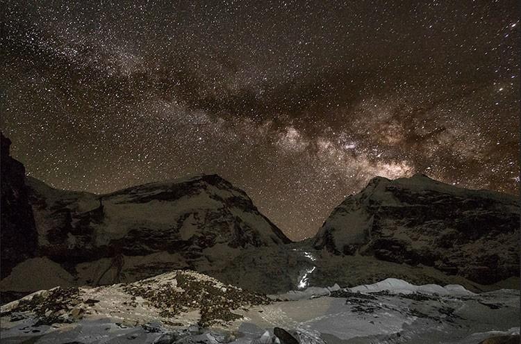Javier Camacho, expedición Lhotse 2017. Nocturna de la Cascada del Khumbu<