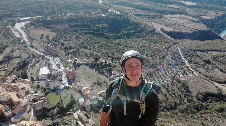 Chabi Sánchez, escalando en Riglos