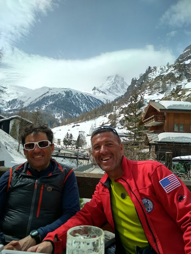 Alfredo Encinar y José C. Iglesias, guías de montaña UIAGM, en Zermatt