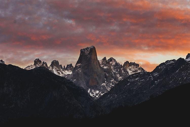 Pico Urriellu desde Pozo de la Oración. Foto: José Allende