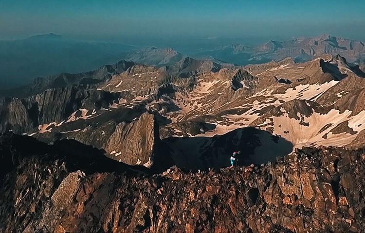 Aritz Egea, en la cresta del Posets. Foto: Salomon