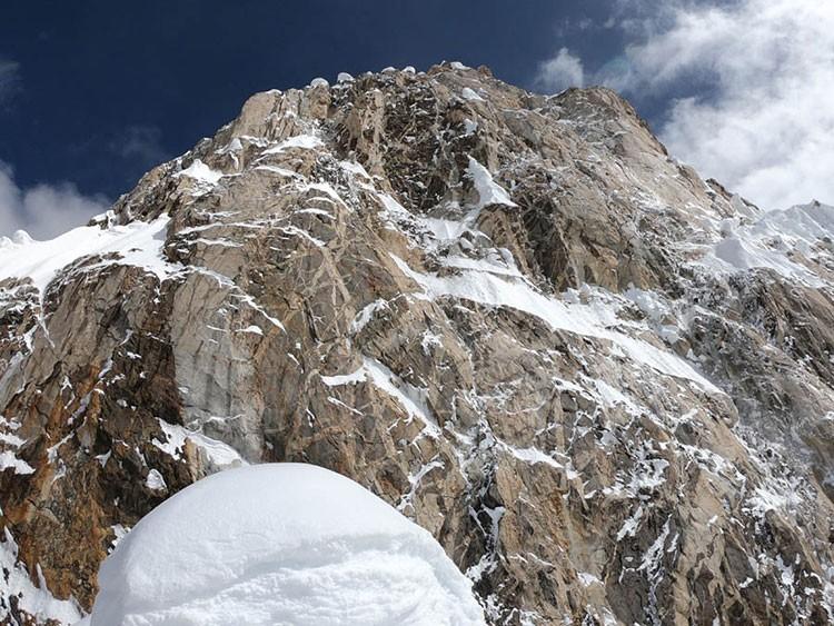 Zona final, desde el vivac. Foto: Alexander Gutov, mountain.ru