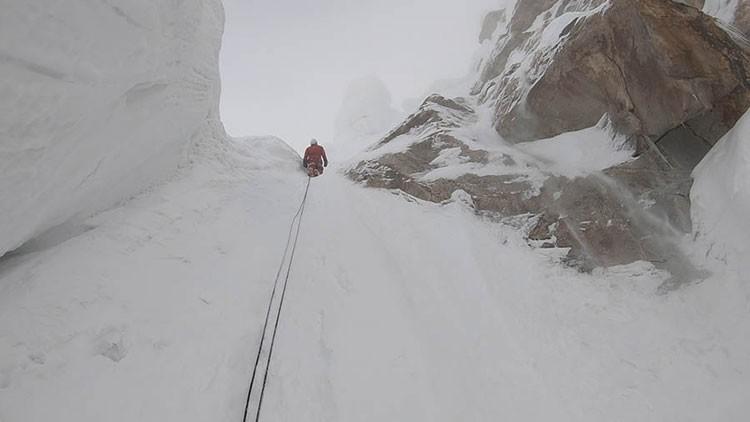 Sergey Glazunov, en la zona alta del Latok I. Foto: Alexander Gutov, mountain.ru