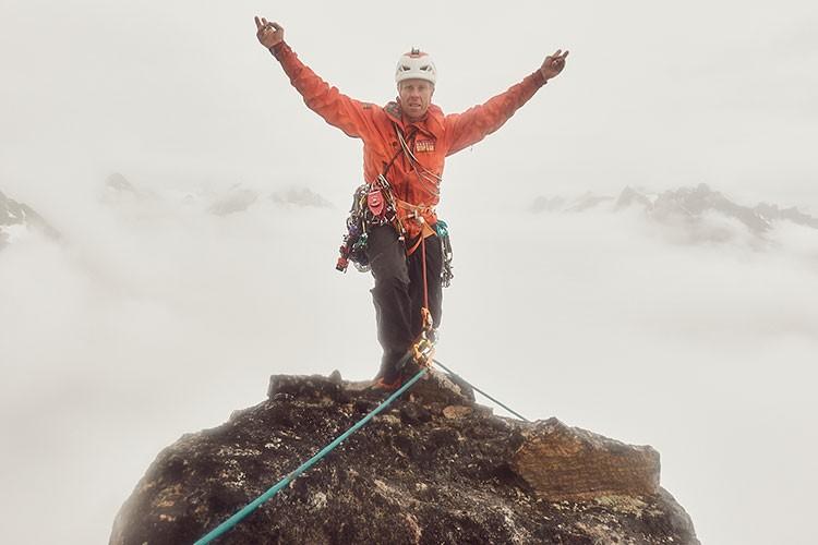 Robert Jasper en la cima, tras finalizar Stonecircle. Foto: Robert Jasper