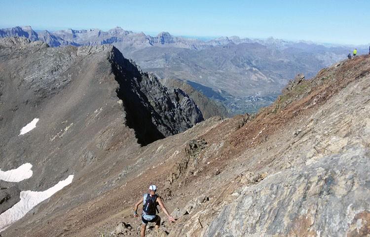 El Trail Valle de Tena llega a la cima de Garmo Negro, 3.051m. Foto: Barrabes