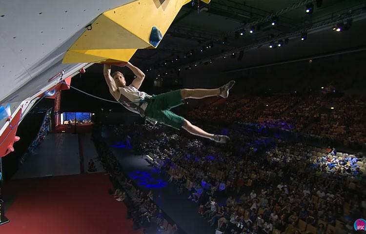 Jakob Schubert en la final de dificultad de la combinada: Foto: IFSC