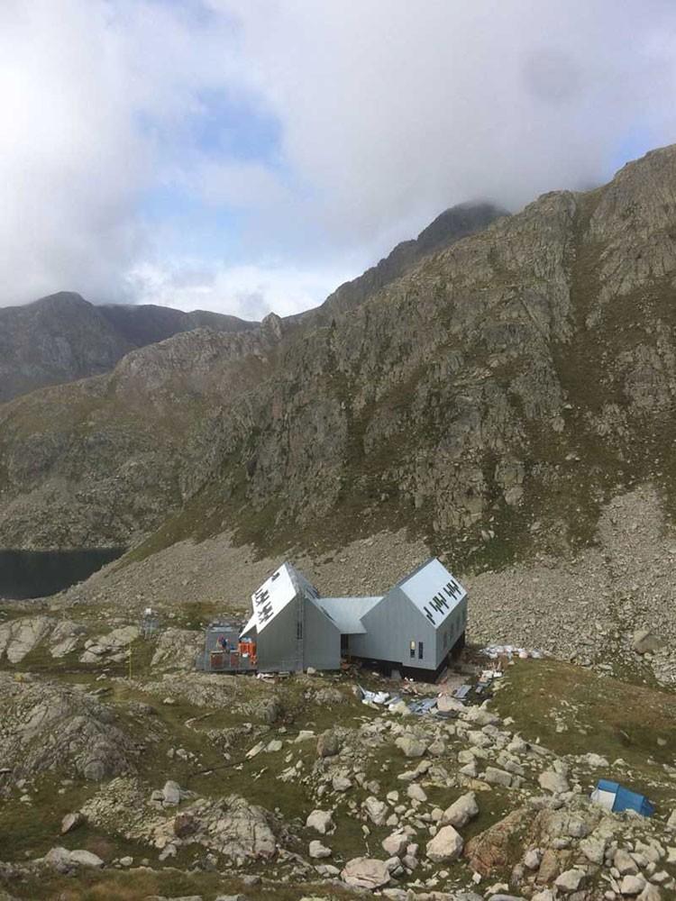 Refugio de Cap de Llauset, con sus dos módulos ya terminados.
