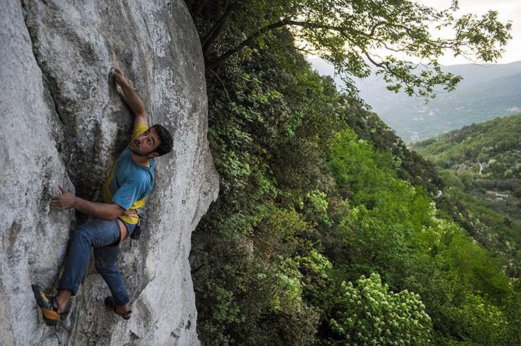 Andrea Palazzi en COMMODINO 7b (Grotto di Perti).Foto Alvaro Lafuente