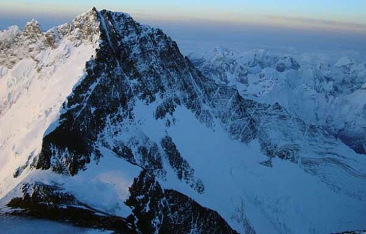 Vista del corredor del Lhotse desde cumbre Everest. Foto: Xavi Arias