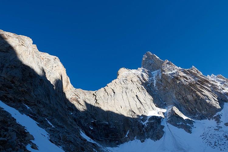 Choktoi Ri y la gran pared y cresta por la que transcurre The Big Easy. Foto: Huberbuam Facebook