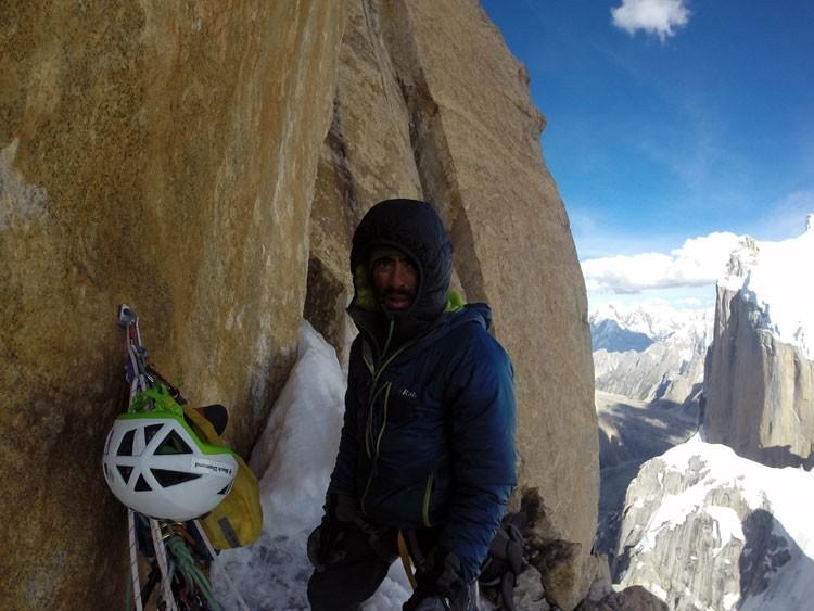 Pedro Cifuentes, en la Torre Sin Nombre, Karakorum