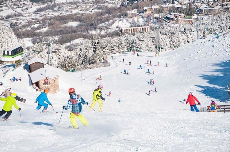 Esquiadores en Cerler. Foto: Aramon Cerler