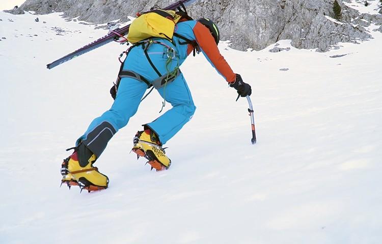 Nueva versión de los Piolets Quark de Petzl para alpinismo