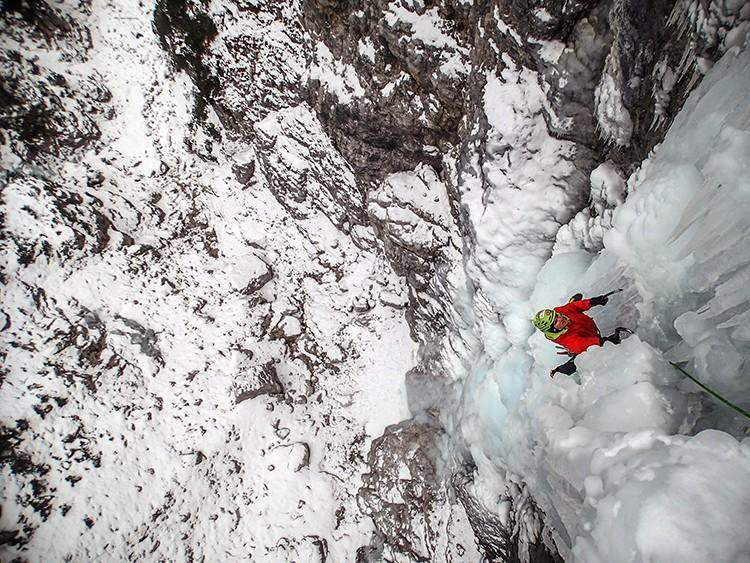 Escalando Gran Dama en Val Pramper
