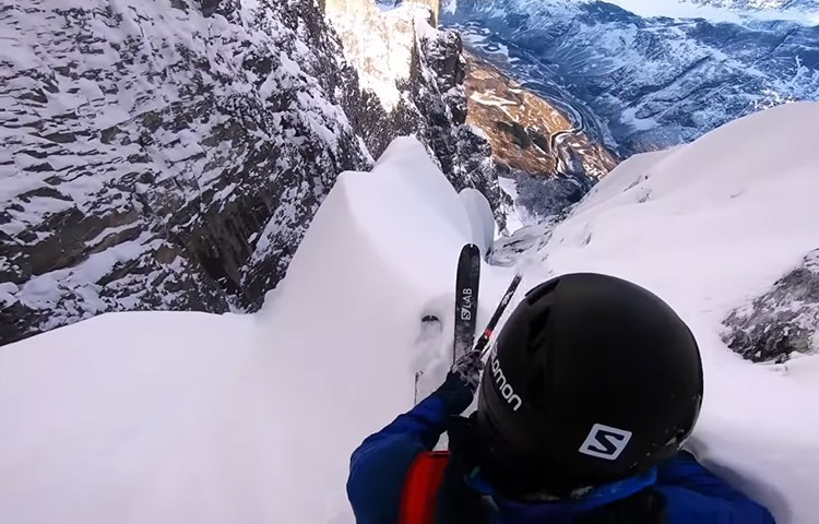 Kilian Jornet, 1º descenso Fiva Route, Troll, con esquís. Foto: Kilian Jornet