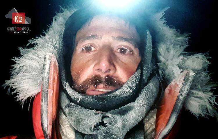 Alex Txikon desciende al campo base del K2 invernal. Foto: Winter To Appeal, Alex Txikon