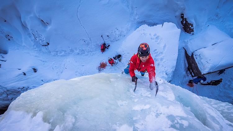 Eneko Pou, hielo en Rjukan. Foto: Tomeu Rubí