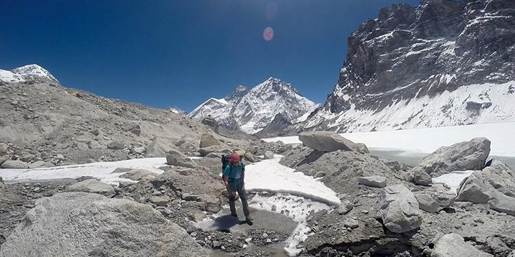 Aproximación por el glaciar Changri Nup. Foto: Ángel Salamanca, Ana Gracia, Rubén Gómez