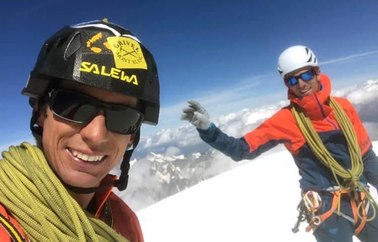 François Cazzanelli y Andreas Steindl en la cima del Mont Blanc. Foto: Facebook Marco Camandona