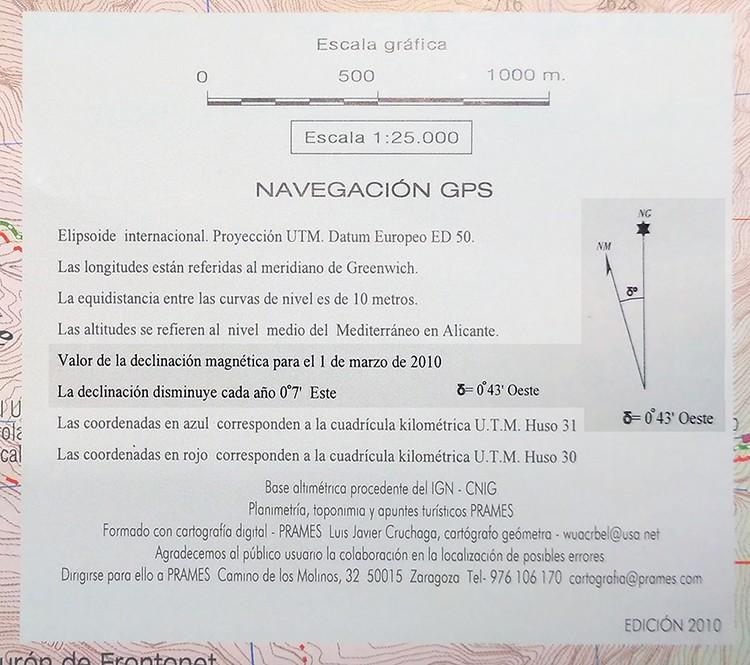 Cuadrado de información impreso en el mapa. Destacada, declinación magnética