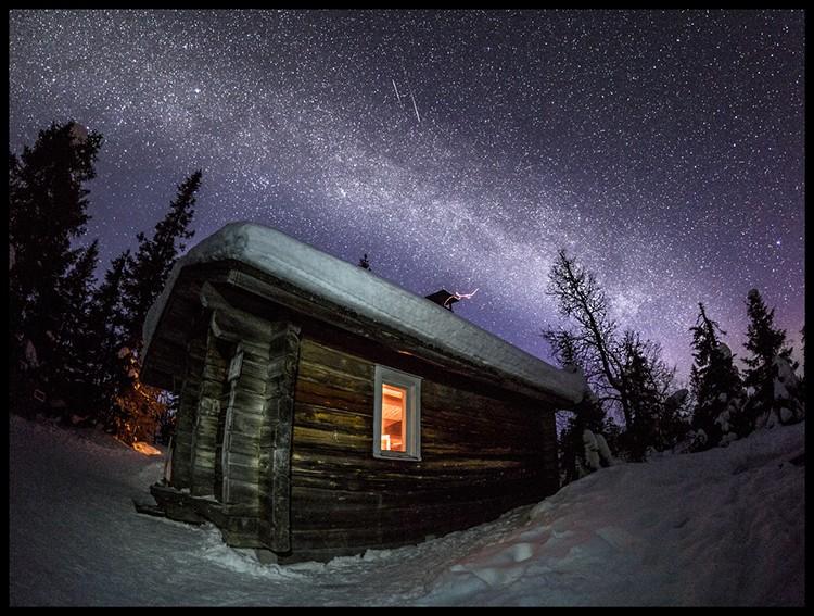 Vía Lactea en la cabaña en la que esperaba las auroras, PN Risitunturi. Foto: J. Camacho