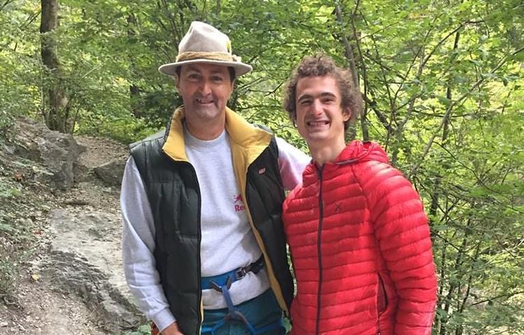 Stefan Fürst y Adam Ondra, tras conseguir el segundo el punto rojo a Qui. Foto: FB Adam Ondra