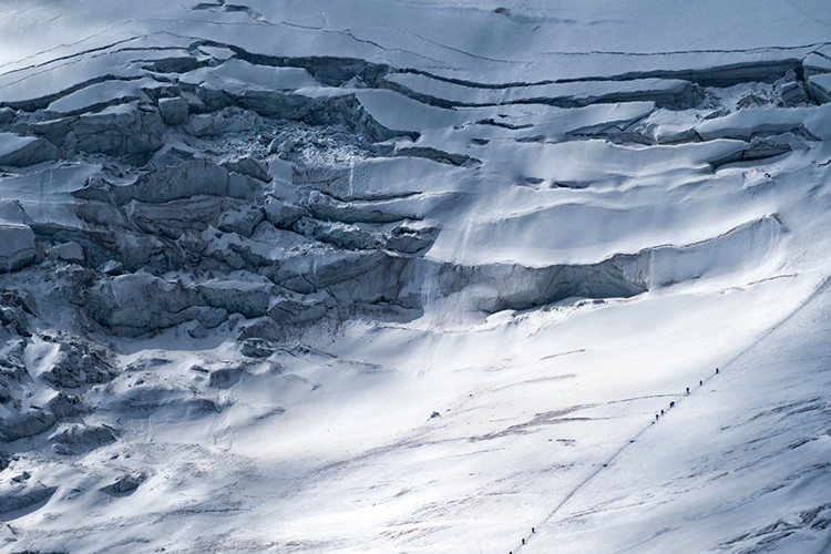 Inmensos seracs en el Pico Lenin. foto: Javier Camacho