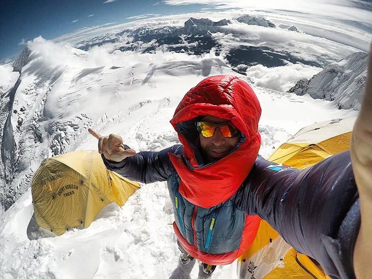 Sergi Mingote, cima en el Dhaulagiri. Foto: FB Sergi Mingote