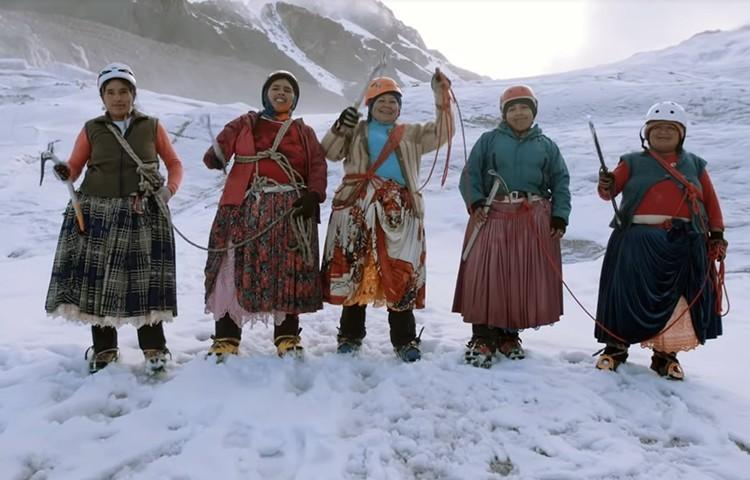 Las Cholitas escaladoras en su expedición al Aconcagua