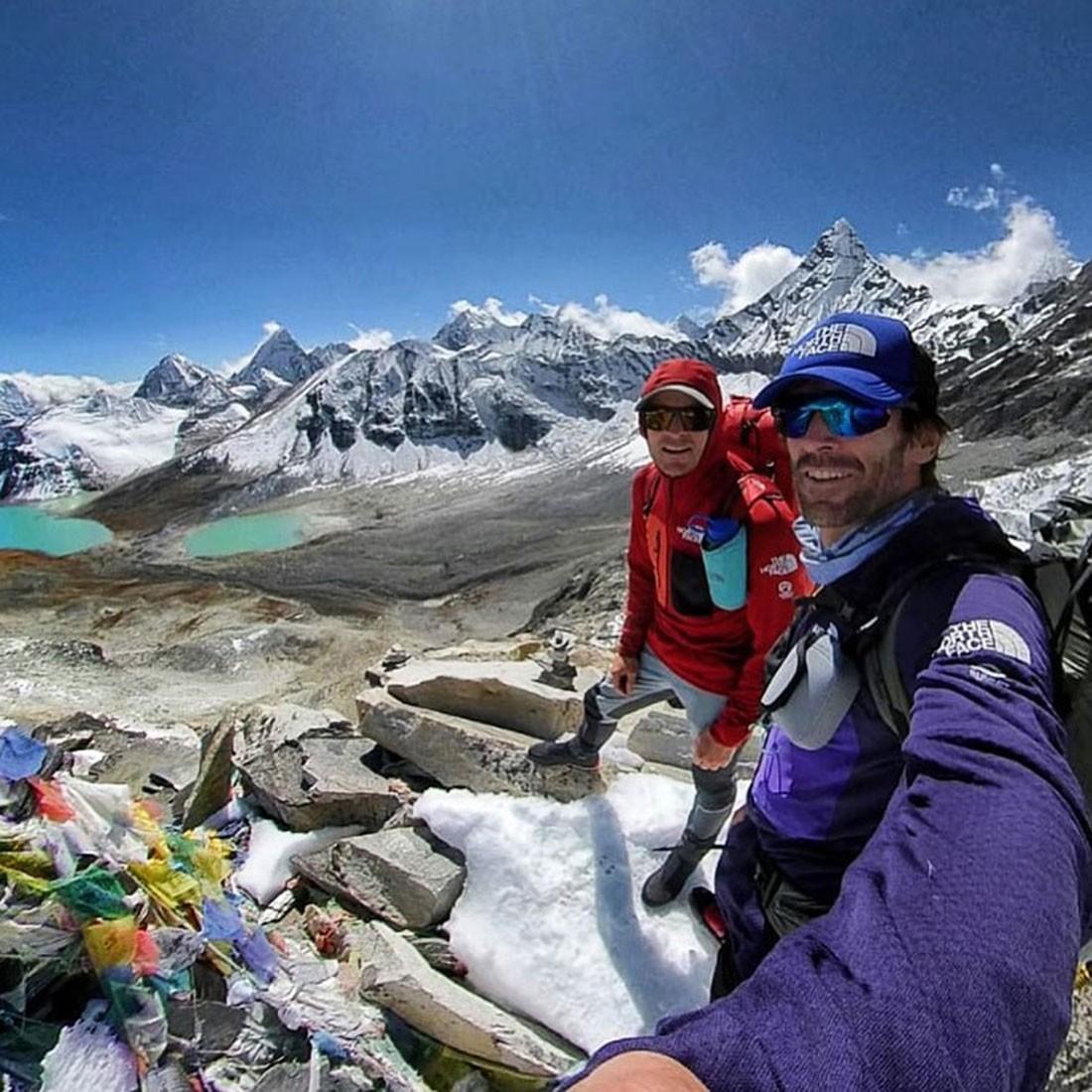 Barmasse, Göttler y Marín, aclimatando para el Chamlang. Foto: FB Barmasse