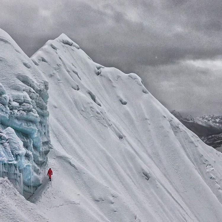 David Göttler en una de las salidas de la cordada. Foto: FB Hervé Barmasse