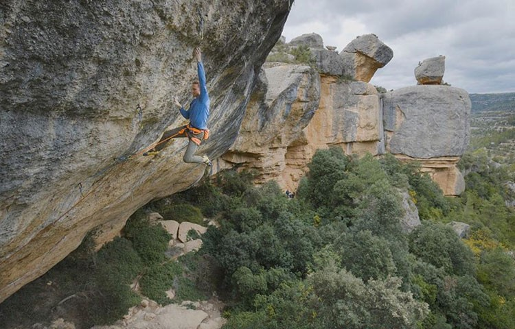 Jakob Schubert en Perfecto Mundo. Foto: @alpsolut_pictures IT Schubert