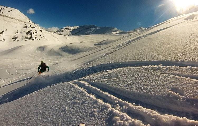 Las botas de esquí alpino, pieza clave en el equipo. Foto: Barrabes